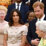Королева присоединяется к Гарри и Мегану, чтобы почтить молодых лидеров звездным башем