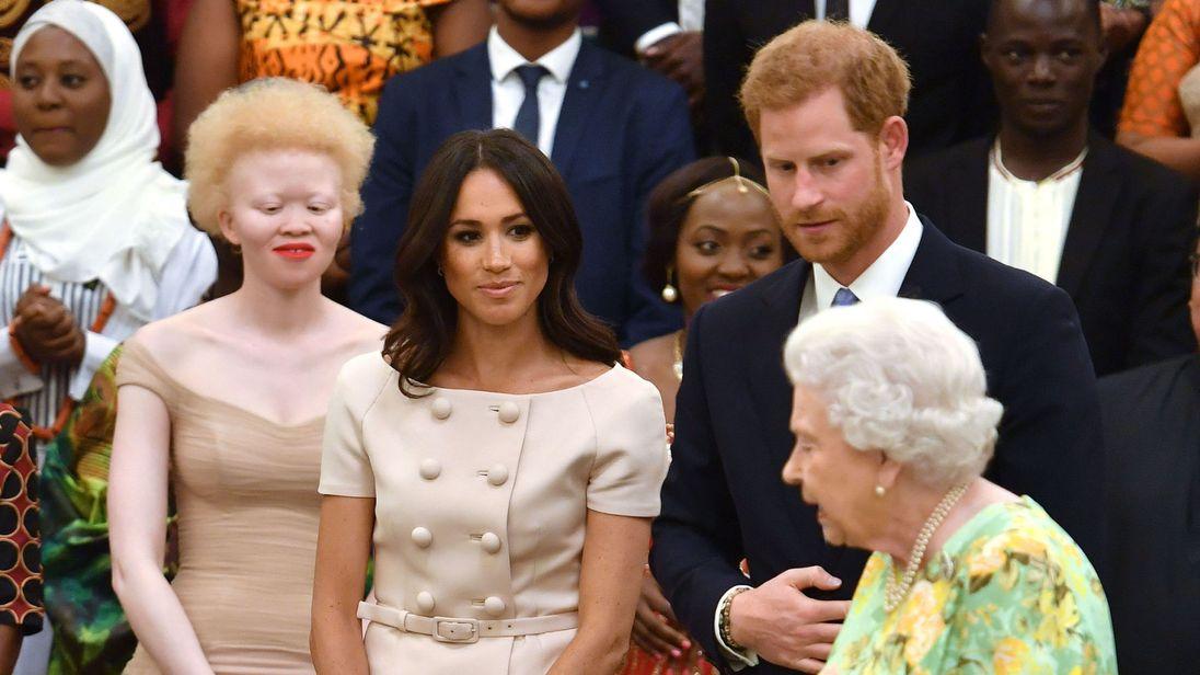 Герцог и герцогиня Сассекс присоединились к королеве, чтобы отпраздновать молодых лидеров