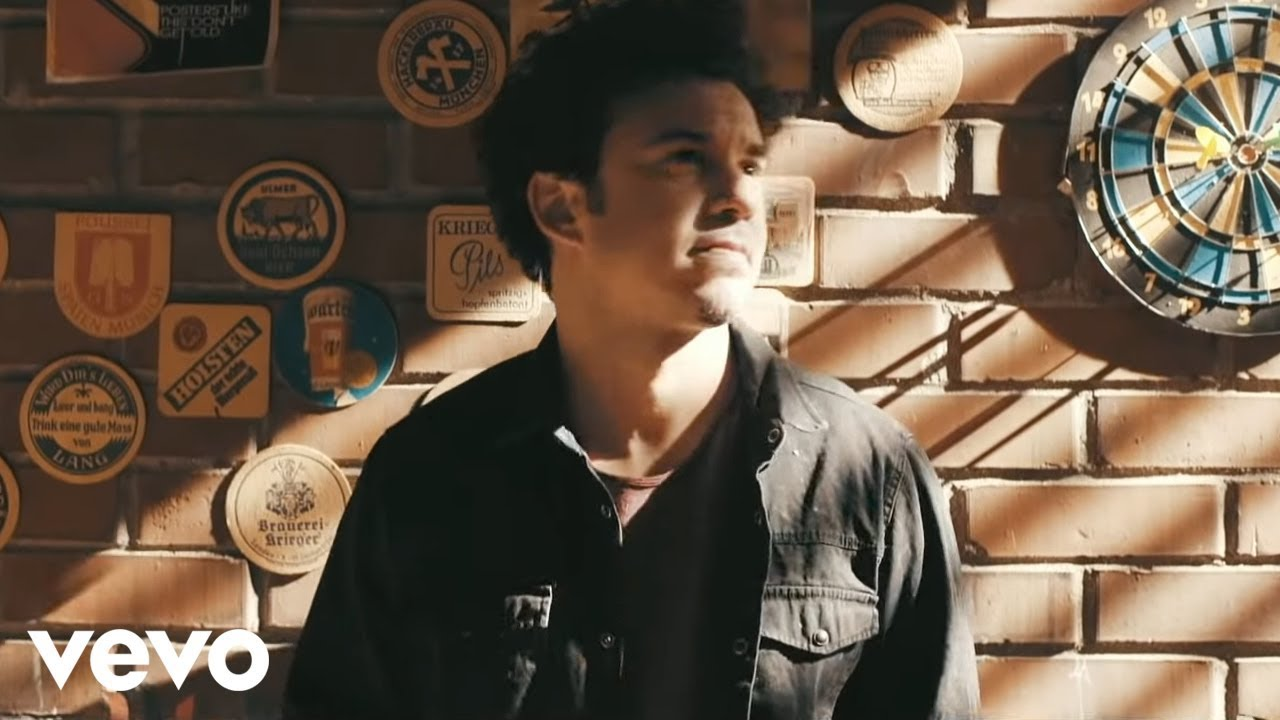 Buray - Aşk Mı Lazım (Official Music Video)