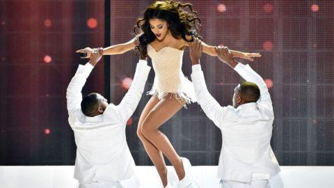 Ariana Grande - Focus (Live at AMAs) HD